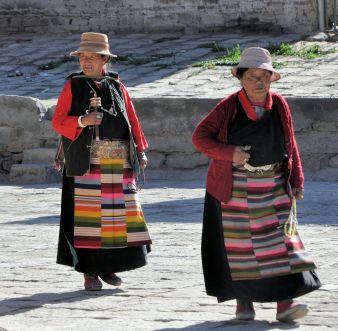 Tibetan women-Phalkot Monastery-5-23-2016
