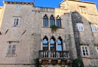 Balcony w columns - Trogir