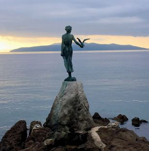 Maiden with the seagull, Opatja
