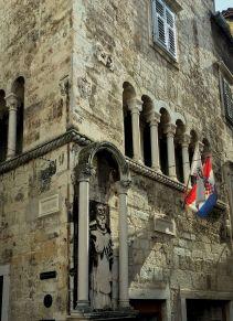 Split building w Croatian flag